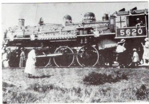 Title: Canadian Northern Railway Engine No. 5620. Credit: Alberta Beach & District Museum & Archives Society.